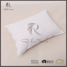 China wholesale home fashions international pillow,luxury cheap bed pillow