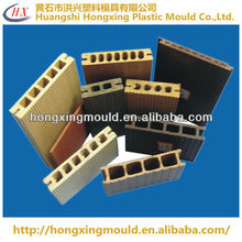 Extrusion mould for PVC and foaming products