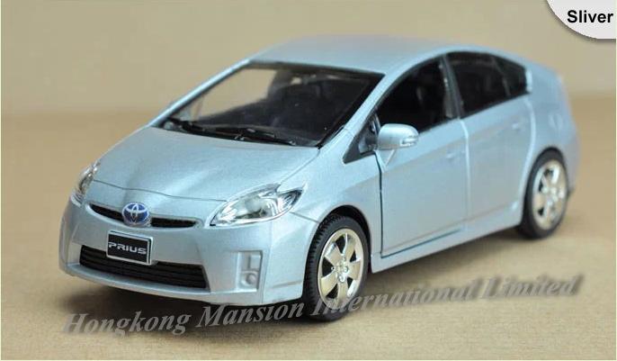 132 Toyota Prius 1
