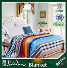 hot sales ! new production grid design polyester fabric cheap wholesale throw blanket on king size