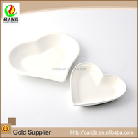 China factory price gift design wholesale heart-shaped ceramic cake plate