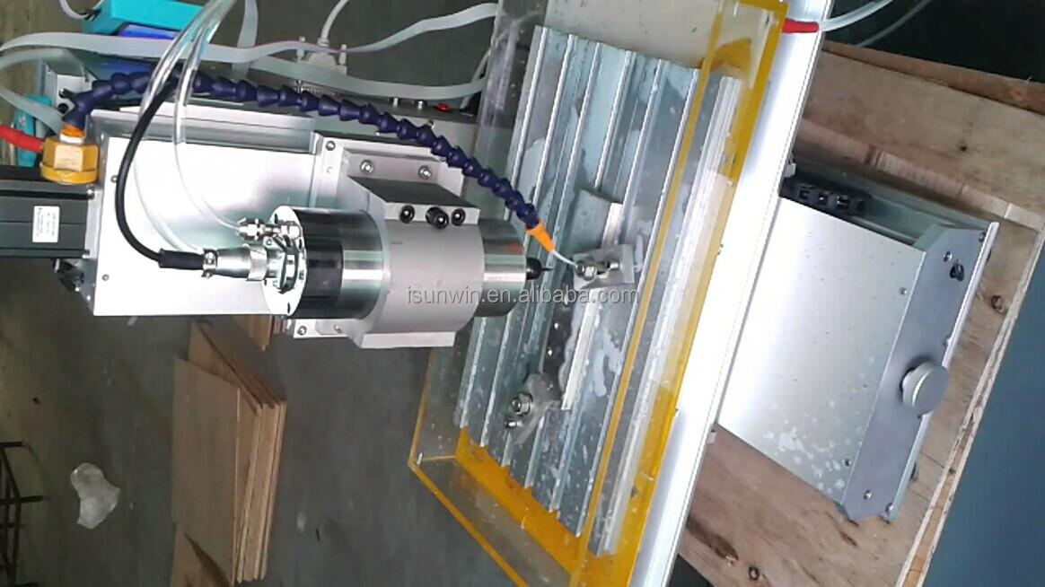 3 축 수직 형 CNC 라우터 조각 기계 스핀들 1천5백w, mach3 소프트웨어에 제공.