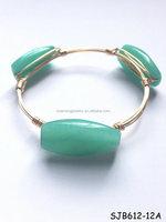 Gold Seafoam Twist Jade Bangle