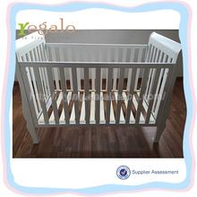 China made hot sale wood white baby crib