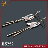 Futian market yiwu china, 2015 Latest Fashion Gold Earrings Long Chandelier Earrings Tri Colors