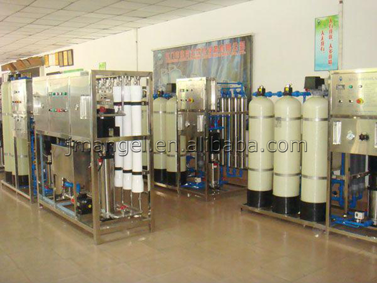 Full automatic bottled mineral water filling machine/small bottle water filling machine