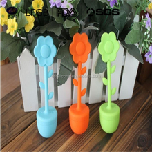2015 Food grade eco-friendly Flower shape Silicone Colorful Paris' Tower Shape Tea infuser with cup lid