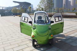 Environmental friendly Convenient Luxurious design high quality 2 seaters with close doors mini scooter electrical car