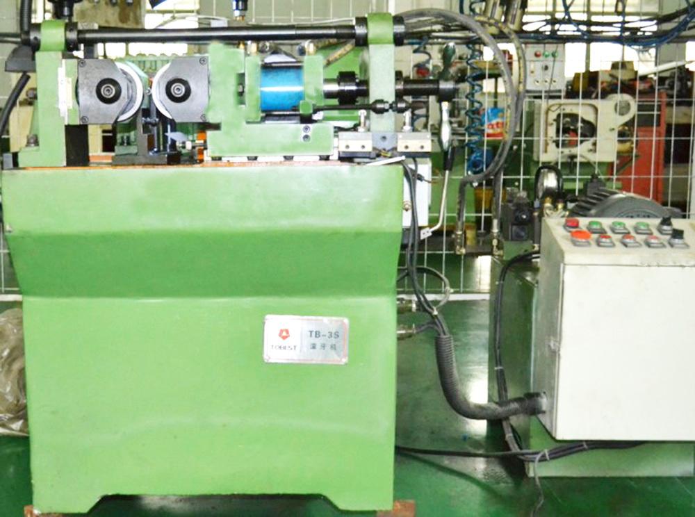 bolt threading machine2.jpg