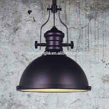 Lámpara industrial de moda retra con latón de color negro y blanco, iluminación pendiente de color púrpura