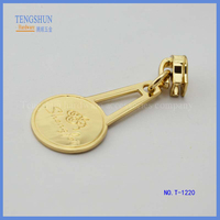 manufacture zinc Alloy zipper puller for lady's handbag wholesale make in China