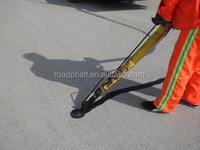 Pouring crack glue for repairing pavement road crack sealants and fillers china manufacturer