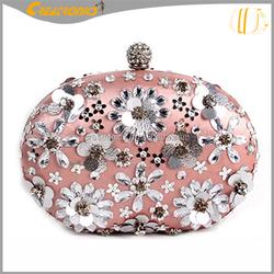 2015 ladies new design oval handmade bead bags