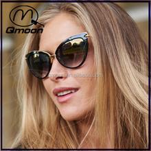 2016 sexy lady good polishing cat eye italy design sun glasses with microfiber sunglass bags