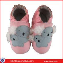 Sapatos de bebê recém-nascido