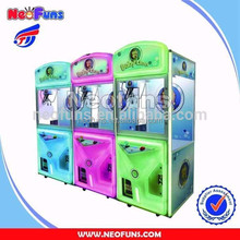 High Quality Popular Coin Operated Candy Machine Amusement, Candy Crane Machine