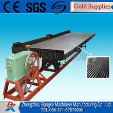 Ore dressing shaking table for gravity separation