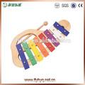 Los niños de madera los instrumentos de percusión xilófono, xilófono de mano