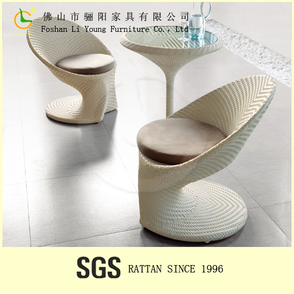 semplice ed elegante bianco tavola rotonda e sedia forma di uovo ... - Tavolo Da Pranzo Set Con Tavola Rotonda
