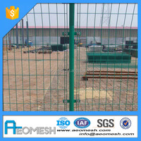 Made In Guangdong Galvanized steel wire mesh panels/welded wire mesh grid panels/metal fence panels