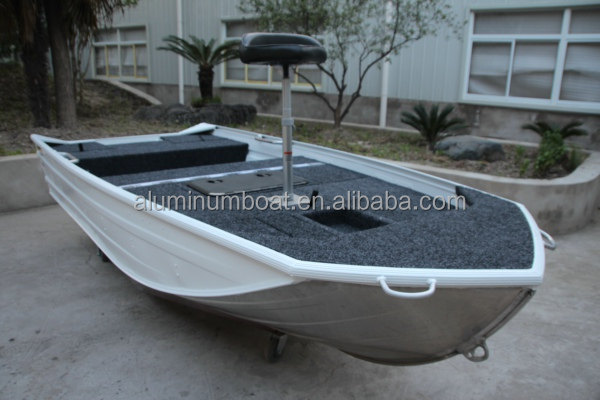 395 bass pro aluminum bass fishing boat view bass for Bass pro fishing boats