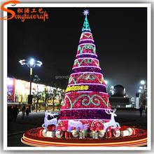 On sale popular fashion decoration beautiful LED artificial Christmas trees