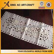 al por mayor China de fábrica tejido Nuevo diseño Mantel Textiles para el hogar embroided corredor de la tabla Camino Mesa