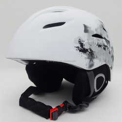 Low price winter outdoor sports helmets, wild ski helmet cover your head safety