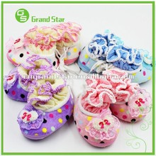 Latest Design Custom Lovely Flowers Soft Baby/Infant Warm Shoes/Slipper Boots
