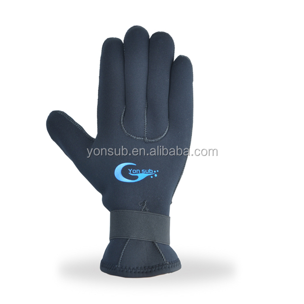 Подводная охота перчатки