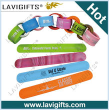 Custom logo cheap silicone rubber slap band