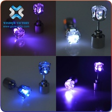 2015 Made in China beautiful light up flashing LED earring for promotion gifts