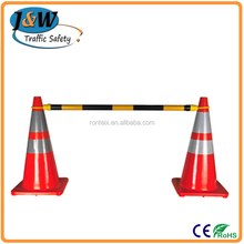 Red / White Plastic Collapsible Road Traffic Cone Bar for Isolating Crowd