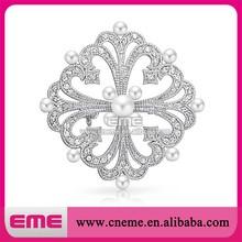 fashion white shining flower crystal imitation bouquets design pearls rhinestone brooch for wedding