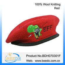 Consideravelmente vermelha militar boina malha francês weave da boina para meninas