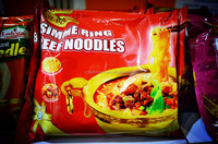 vegetable 70g instant noodle / packed in tray HALAL noodle GMO free seasoning no artificial additives good quality