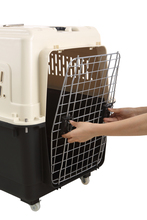 comfortable soft airline approved plastic travelling dog cage