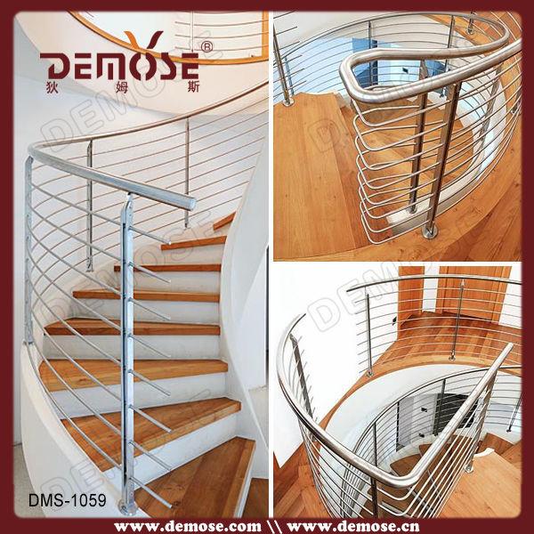 Escalera interior residencial estructura met lica con for Escalera tipo u