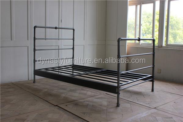 chambre maison int rieur style industriel en m tal de marchandises grande taille lit conceptions. Black Bedroom Furniture Sets. Home Design Ideas