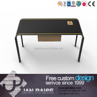 Black high gloss computer table/computer desk