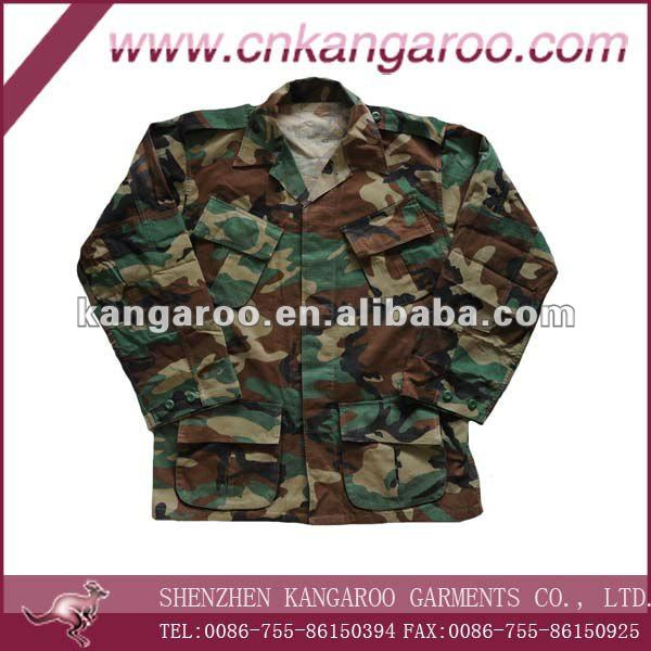 Ee.uu. army woodland DCU Camo uniforme