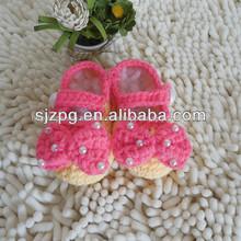 de la mano de la moda infantil de crochet tejer zapatos