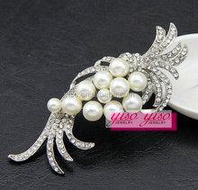 custom making crystal branded brooch