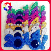 Hot Sell Novelty Glitter 2014 New Year Party Glasses