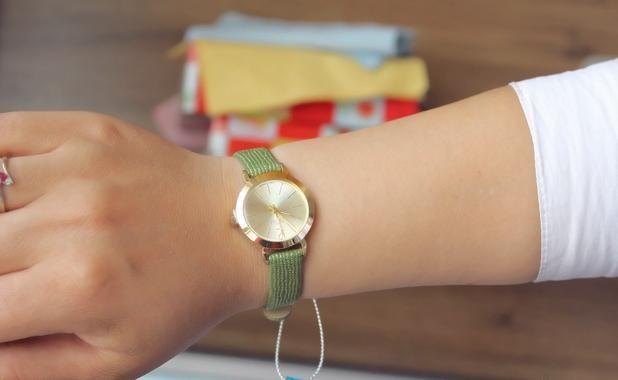 Юлий леди женщина наручные часы кварцевых часов лучший мода платье корея браслет группа кожа часы Multicolors свободного покроя девушке подарок 732