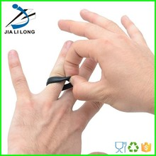 Expandable silicone men's wedding ring