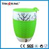 Ceramic coffee mug with silicone lid
