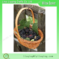 Christmas Holiday Honey Color Durable Round Wicker Flower Basket With Handle, Small wicker Fruit Storage Basket