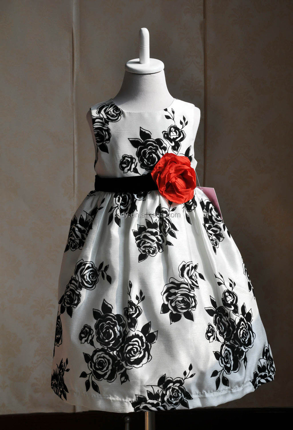 Latest Design Inventroy Black And White Flower Print Dress For