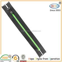 Airtight waterproof zipper for garment